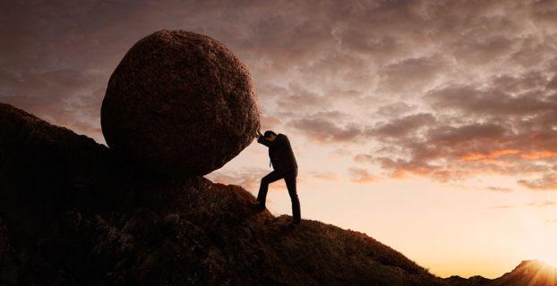 Piedra cuesta arriba
