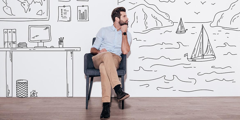 Hombre sobre papel pintado